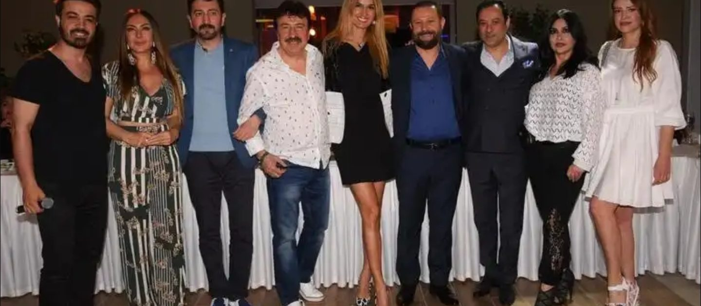 Yapımcı Mehmet Yıldırım iftarda dostları ile buluştu