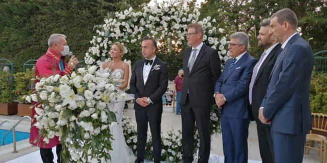 Düğün İstanbul'da balayı Bodrum'da